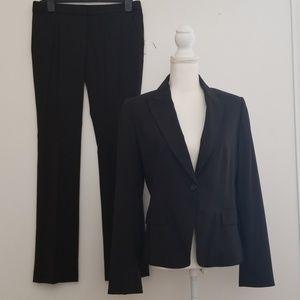 Elie Tahari size 8 Blazer & size 6 pants set